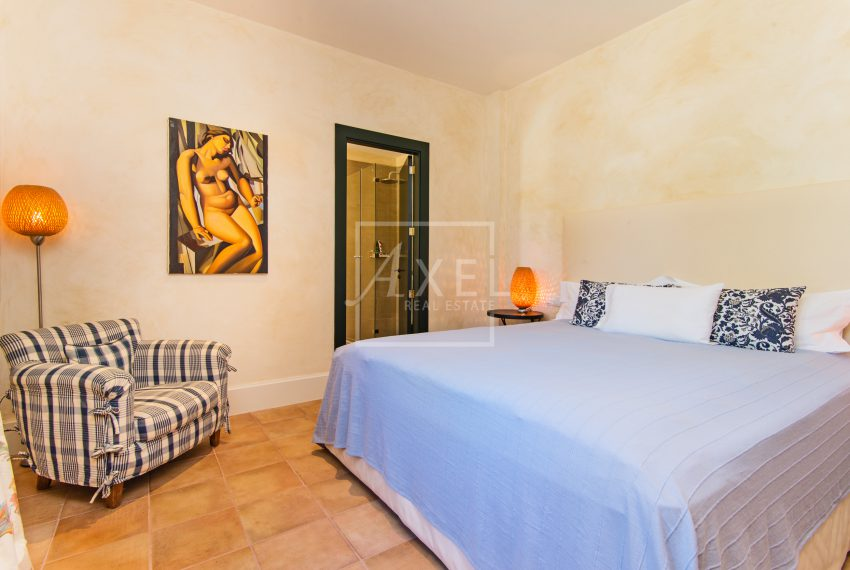 s'Era_guest_bedroomaxel-realestate