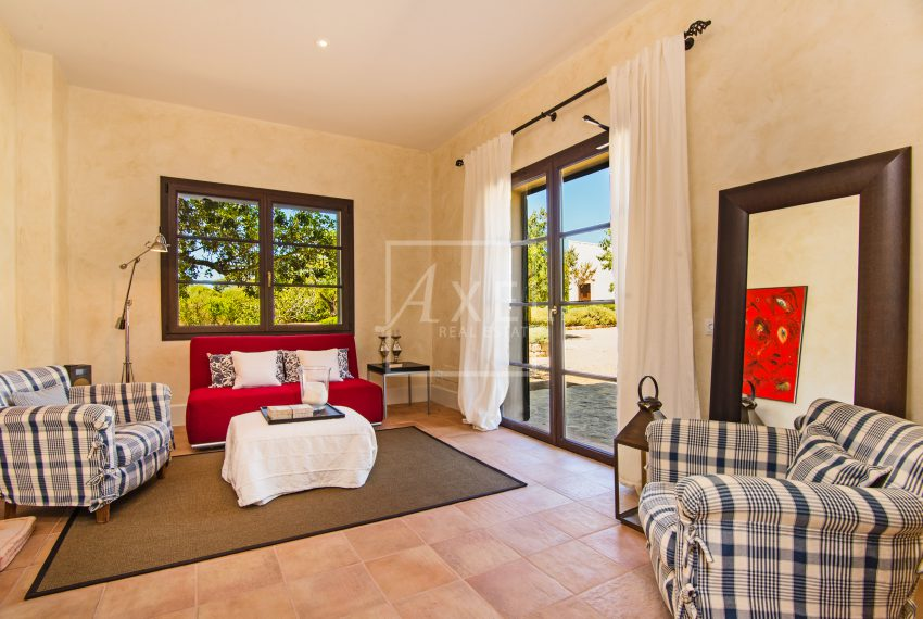 s'Era_guest_living_roomaxel-realestate