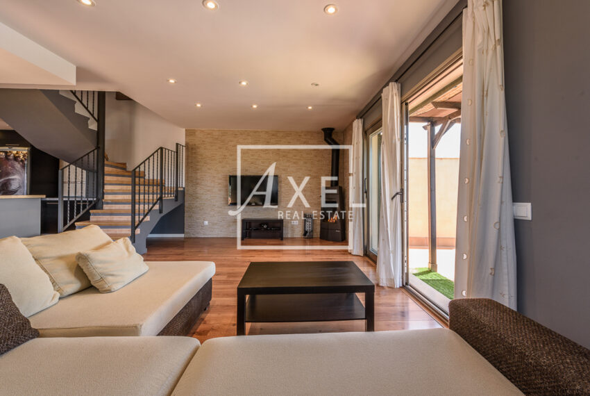 04axel-realestate.com