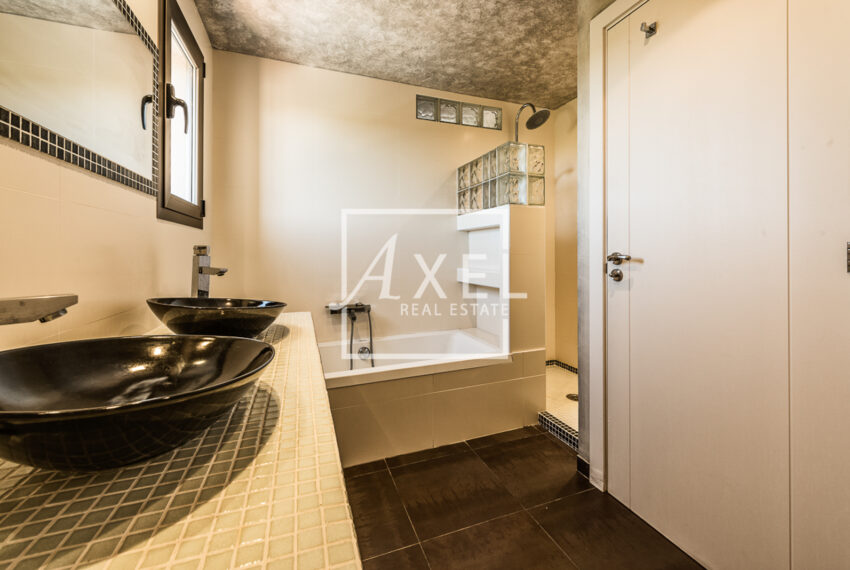 11axel-realestate.com