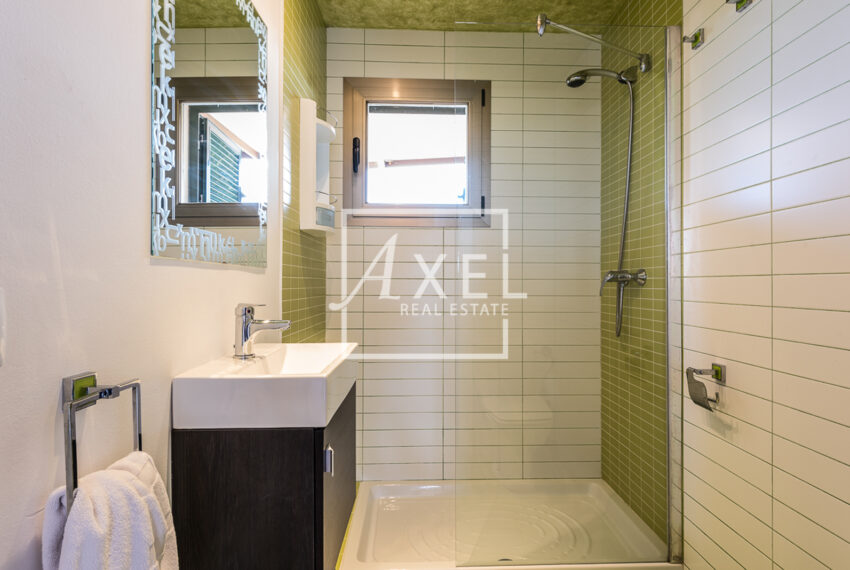 18axel-realestate.com
