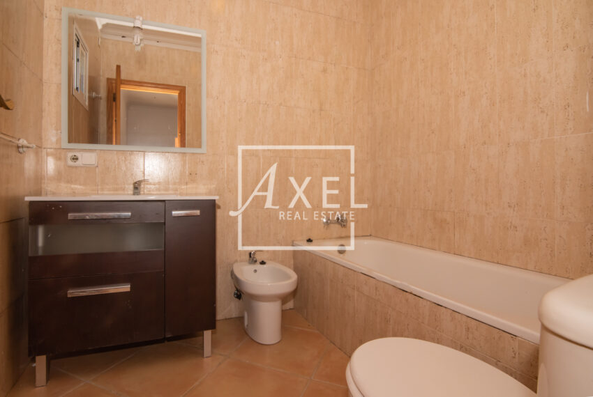 RAW_2249axel-realestate.com_ohne