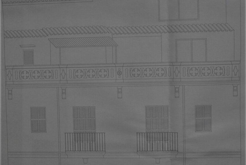 Edificio con ampliacion
