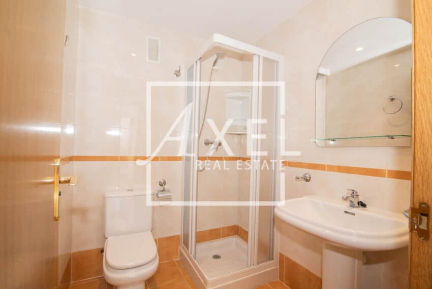 RAW_4011axel-realestate